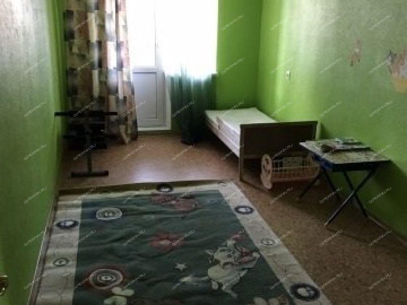 двухкомнатная квартира на улице Военных Комиссаров дом 3