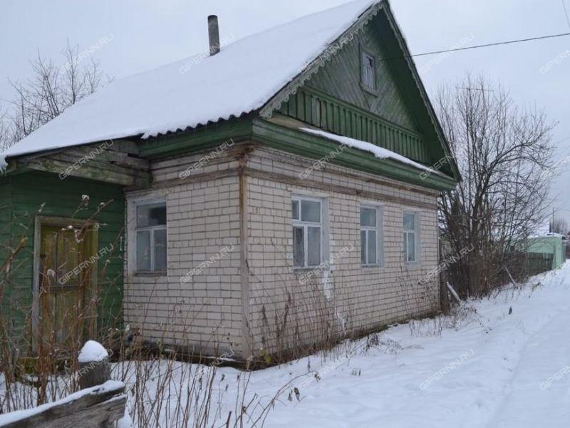 дом на  деревня Успенье